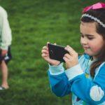 Czy małe dziecko z telefonem wciąż szokuje?